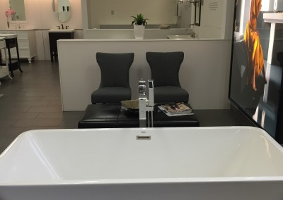 Ensuite Halifax - bathtub